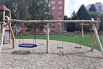 Dětské hřiště je už v provozu