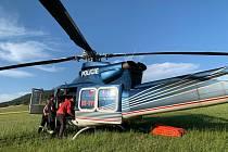 V Dolní Moravě hořel les, při hašení pomáhal vrtulník