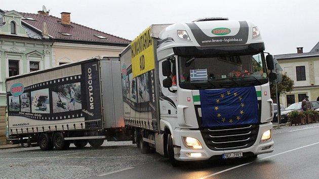 Za utečenci v Řecku míří humanitární konvoj z Jablonného