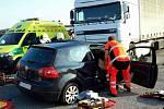 Nehoda nákladního auta u Zámrsku