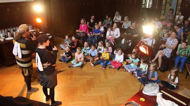 Výtvarné dílny a hudební a divadelní program, to byl Víkend dětem v ústeckém městském muzeu.