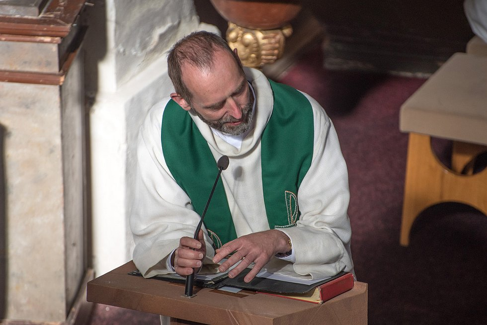 Kostel Marie Magdaleny v Řetové se stal dějištěm prvního koncertu v rámci Mezinárodního varhanního festivalu Zdeňka Pololáníka.