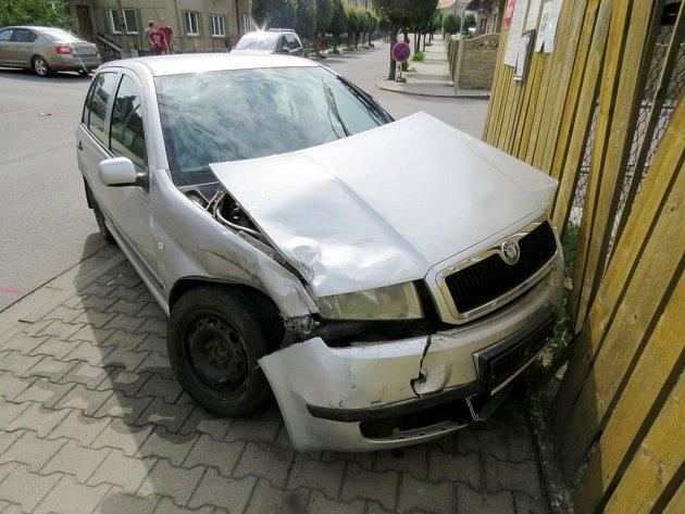Nehoda dvou osobních automobilů vLanškrouně.