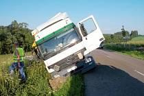 Havárie kamionu v Pastvinách.