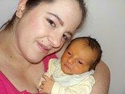 Marek Kuta se narodil dne 9. 2. v 23.53 hodin, kdy vážil 3290 g. Doma v Tisové bude těšit rodiče Jaroslavu a Martina.