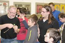 """Akce """"Už vím proč, dědo!"""" sklidila v Regionálním muzeu ve Vysokém Mýtě úspěch."""