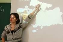 Základní škola Bratří Čapků opět hostí v rámci projektu Edison zahraniční studenty.