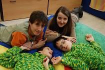 Handicapovaná dvojčata Petra a Renáta Štanclovy.