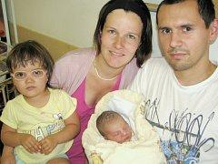 Běla Šponarová se narodila 27. července 50 minut po půlnoci. Radost zní mají rodiče Petra a Pavel i sestra Stela zLetohradu. Holčička vážila 2,86 kg.