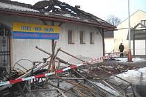 Následky požáru tržnice v Lanškrouně.