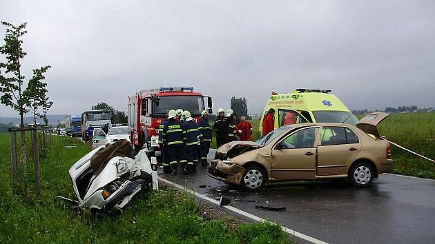 Tragická nehoda u obce Sázava.