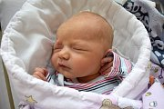 Adéla Novotná je první ratolestí Ivety a Ladislava z Libchav. Narodila se 15. 7. v 21.44 hodin a vážila 3320 g.