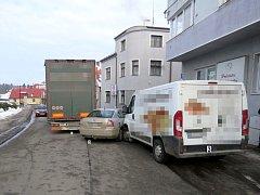 Dopravní nehoda kamionu v Žamberku.