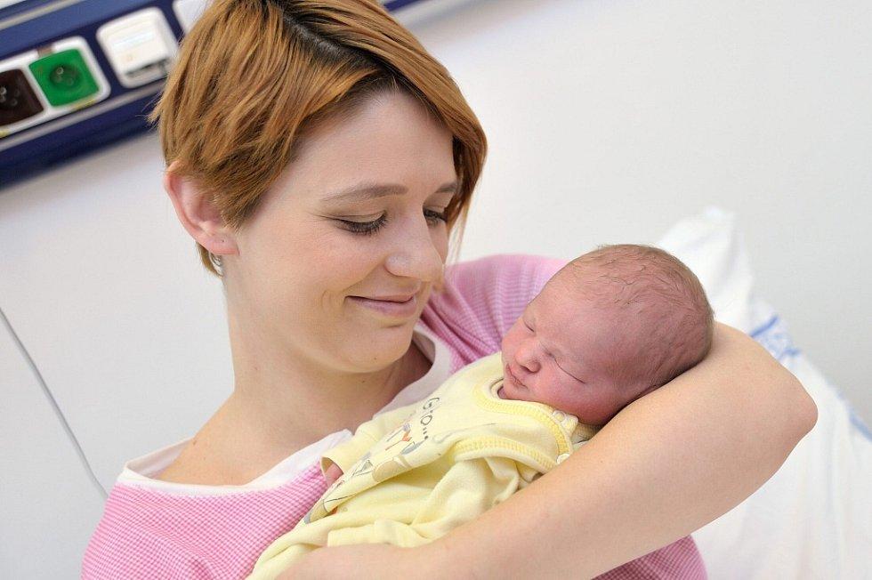 Nikola Hermanová se narodila 31. 1. v 8.53 hodin Veronice Hermanové a Davidu Ehrenbergerovi z Ústí nad Orlicí. Holčička vážila 3,2 kg.