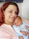 Alexander Jim Soušek se narodil 19. 5. v 6.08 hodin s váhou 2700 g. Doma v Třebovici bude jako prvorozený těšit rodiče Evu Polákovou a Romana Souška.
