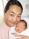 Khaliun Enkhbat je po Egshig druhé dítě maminky Badamaa a tatínka Khaliuna z Letohradu. Holčička se narodila 7. 4. v 17.22 hodin s váhou 4220 g.