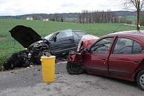 Nehoda dvou automobilů u Zámrsku.