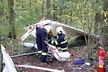 U Dvořiska se zřítilo sportovní letadlo, pilot zemřel.