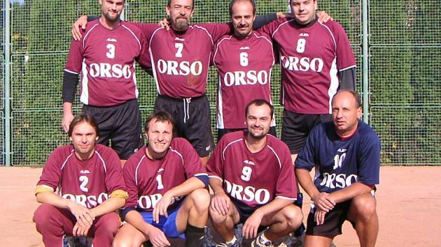 Vítězný tým lanškrounských volejbalistů v krajském přeboru II. třídy