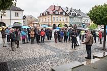 Mezi devadesát měst celé republiky, ve kterých se v pondělí večer demonstrovalo za nezávislost justice, se zařadila i Česká Třebová.