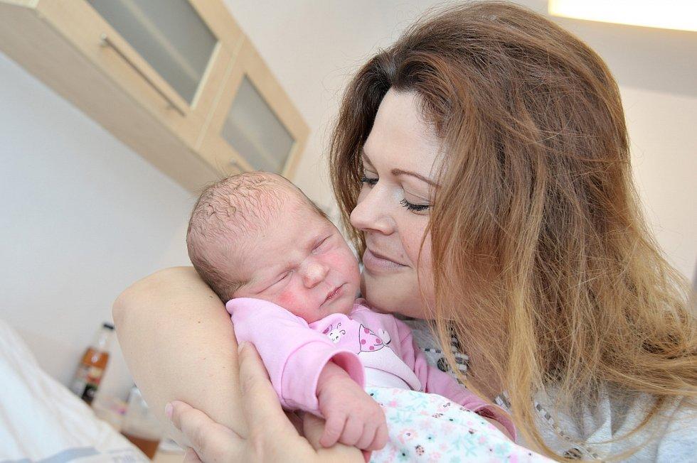 Sára Stejskalová rozšířila rodinu Marka a Silvie z Litomyšle. Při narození 14. 8. v 15.15 hodin vážila 3,400 kg. Těší se na ni i bráška Daniel.