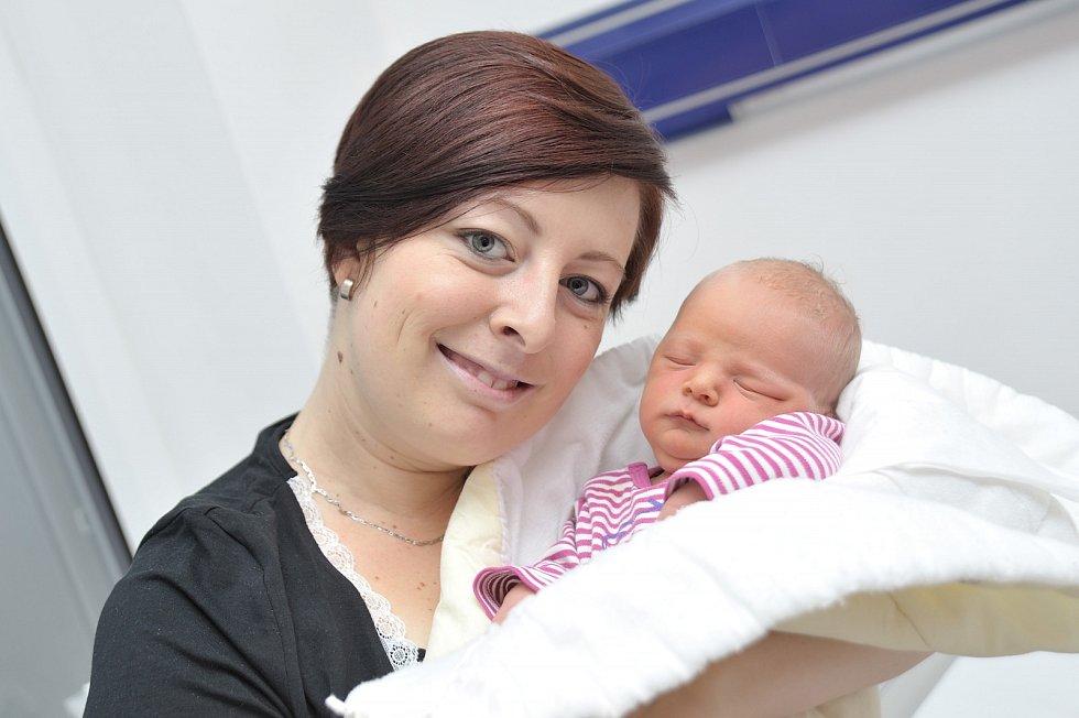 Nela Lepková rozšířila rodinu Denisy a Radka z Lanškrouna. Narodila se 10. 12. v 9.20 hodin, vážila 3620 g a radost má i bráška Patrik.