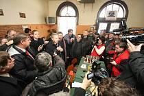 Ministr Bendl navštívil ústecké nádraží.