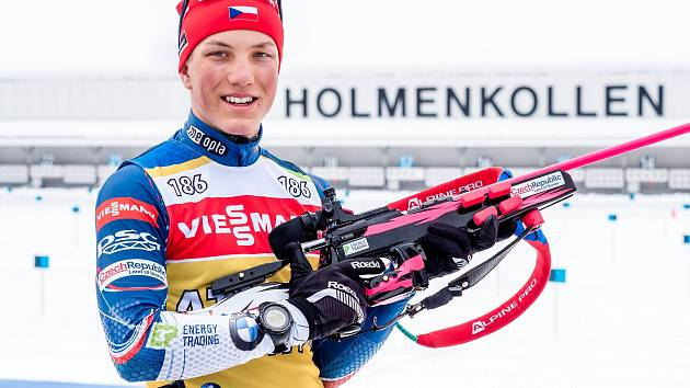 ZÁVODNÍ PREMIÉRU v mužském reprezentačním A týmu si biatlonista Jakub Štvrtecký odbyl v areálu slavného Holmenkollenu v norské metropoli Oslu.