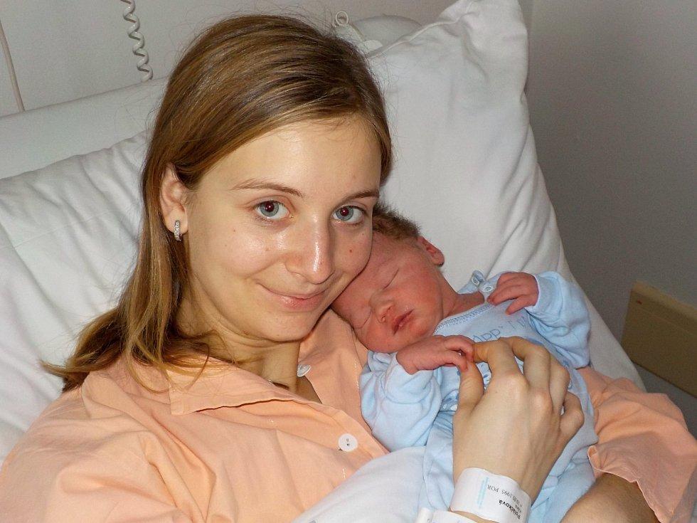 Patrik Hubený je prvorozený syn Kláry Poláčkové a Radka Hubeného z Líšnice. Když se 20. 12. v 1.53 hodin narodil, tak vážil 3210 g.
