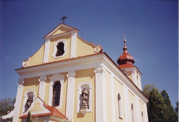 Kostel ve Sněžném.