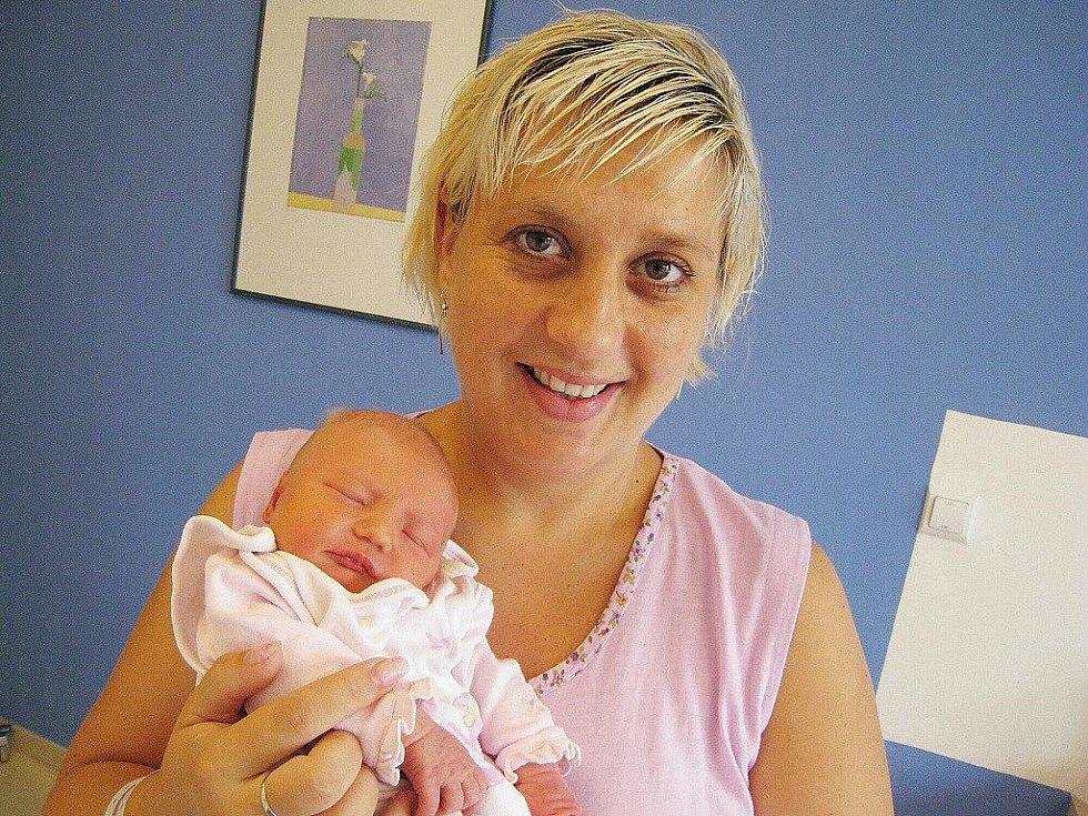 Barbora Veselá je po Adéle druhou radostí rodičů Pavlíny a Petra z Vysokého Mýta. Narodila se 27. července v 9.57, kdy vážila 2,92 kg.