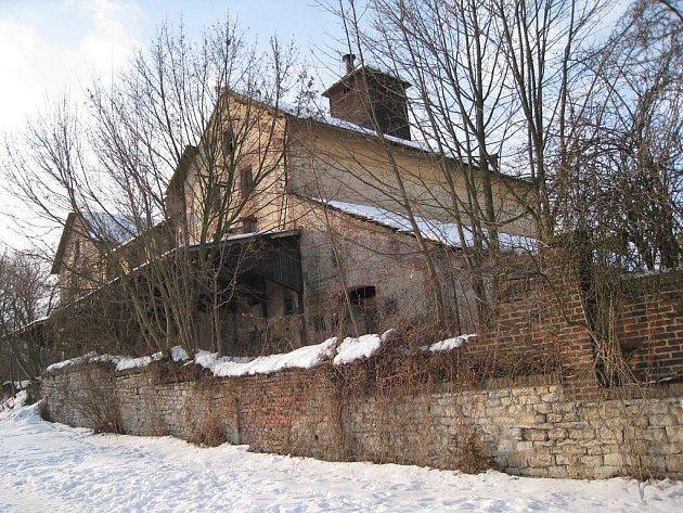Budova bývalého pivovaru ve Vysokém Mýtě.