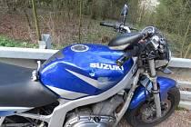 Mezi Ústím nad Orlicí a Řetovou havaroval motorkář.