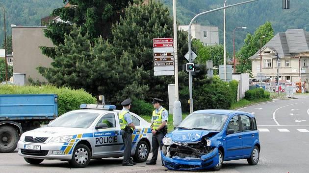 Dopravní nehoda v Ústí nad Orlicí.