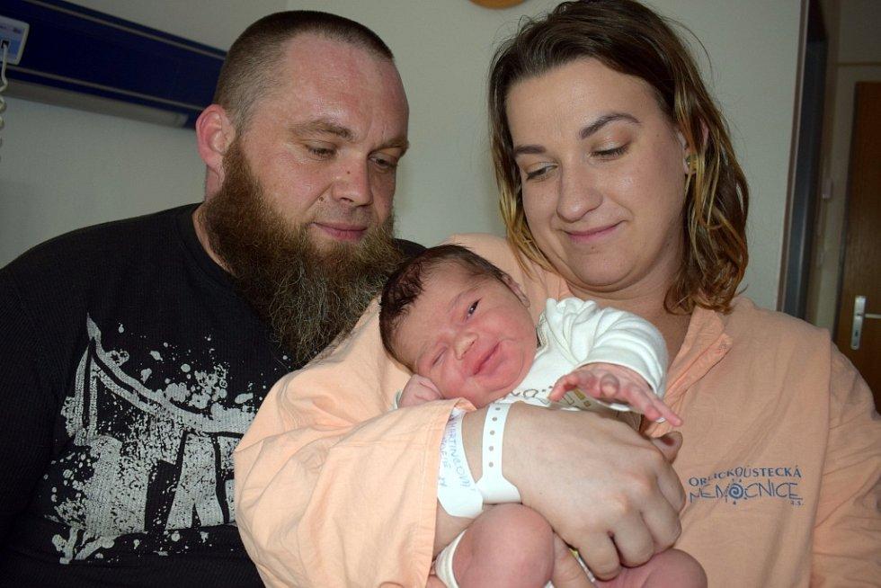 Žofie Martincová se narodila 4. 4. ve 13.27 hodin Nikole a Ondřejovi ze Sopotnice. Při porodu vážila 3,780 kg.