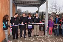 Z otevření nově rekonstruované školní budovy ZŠ v Dolní Dobrouči.