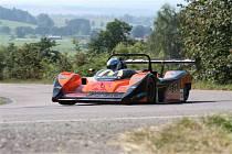 Na Laudon se vrací automobilové závody.