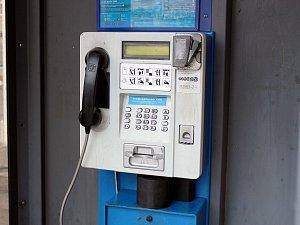 Telefonní budky převálcovala moderní doba mobilní