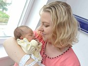 Jasmine Gomez, tak pojmenovali svou prvorozenou dceru Veronika a Carlos z Chocně. Holčička se narodila 11. července v 0.57 hodin a vážila 3,150 kg.