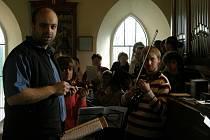 Povedená premiéra autorského requiem zaplnila kostel sv. Zikmunda v Sopotnici