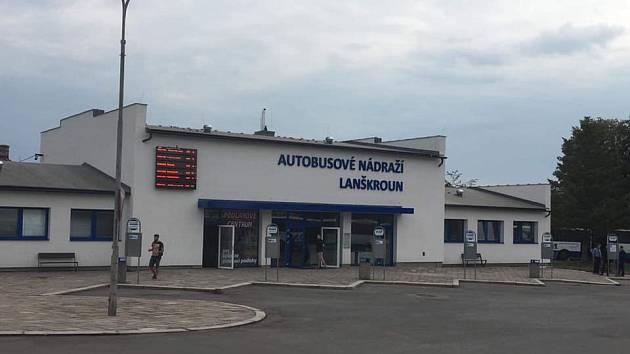 Rekonstruovaná budova autobusového nádraží v Lanškrouně