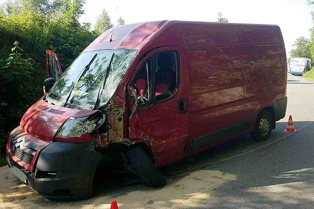 Autobus se srazil sdodávkou.