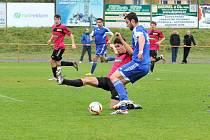 Česká Třebová porazila Žamberk (v modrém) 2:0.