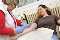 Kdo miluje, daruje krev. Akci pořádalo hematologicko-transfúzní oddělení Orlickoústecké nemocnice.