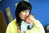 Vítek Grasev dělá radost rodičům Iloně Hubálkové a Petru Grasevovi z Letohradu. Narodil se 16. března v 10.01 hodin s hmotností 4,03 kg. Těší se na něj sestra Agátka.