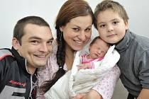 Adéla Osinková těší od 23. října od 1.55 hodin rodiče Věru a Martina i brášku Martinka z Domoradic. Vážila 3,2 kg.