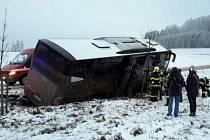 Z dopravní nehody v Mladkově.