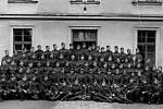 Na prvním snímku je zachycena 8. rota zmíněného pluku 10. října 1938.