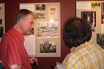 Minulost i současnost českotřebovského parku Javorka mapuje výstava, která byla otevřena v Galerii JeštěR.