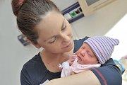 Adéla Felgrová se narodila 14. 11. v 0.17 hodin. Vážila 2,88 kg a s rodiči Veronikou a Petrem bude doma v Ústí nad Orlicí.